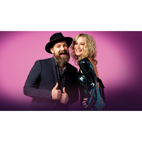 Sugarland, Mary Chapin Carpenter & Tenille Townes at Bank of NH Pavilion