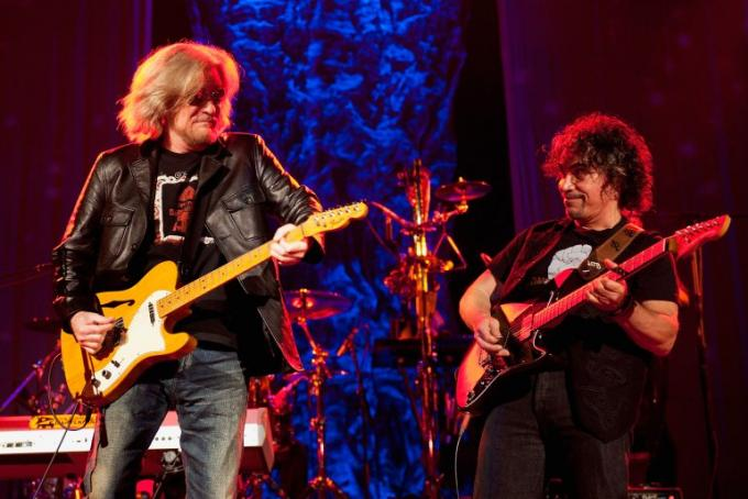 Hall and Oates, KT Tunstall & Squeeze at Bank of NH Pavilion